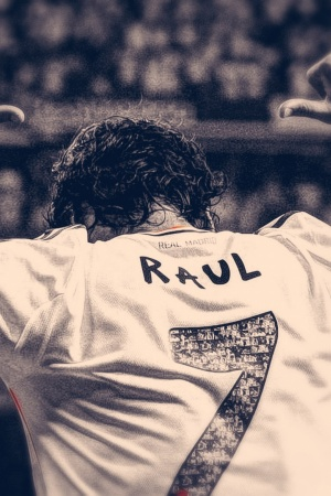 Raul Gonzalez Real Madrid Mobile Wallpaper