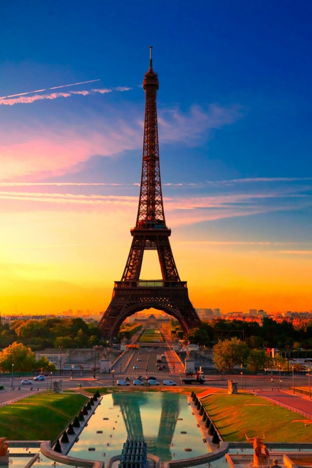Eiffel Tower In Sunset Mobile Wallpaper