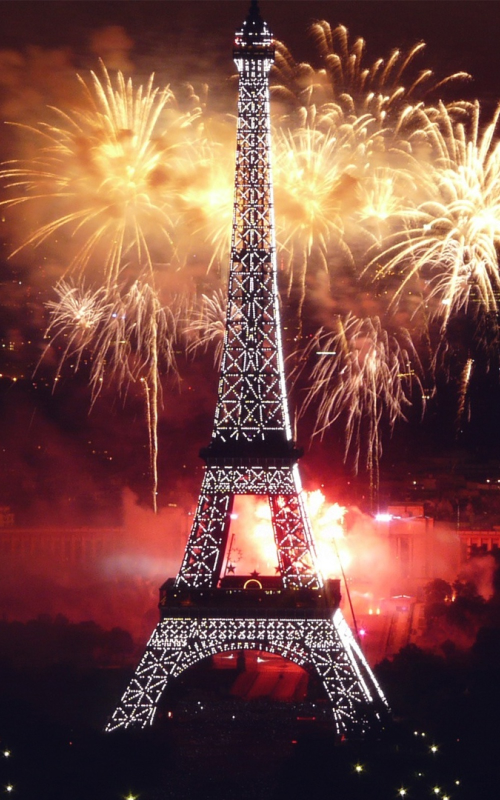 paris tower fireworks mobile wallpaper mobiles wall