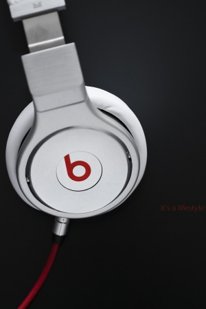 Beats Headset Mobile Wallpaper