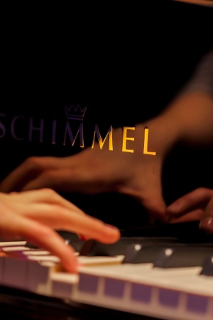 Piano schimmel music Mobile Wallpaper