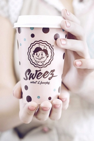 Sweez sweet and freezing Mobile Wallpaper