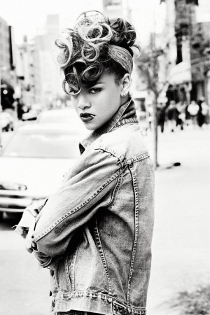 Rihanna singer Mobile Wallpaper