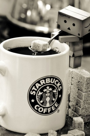 Danbo Starbucks Coffee Mobile Wallpaper