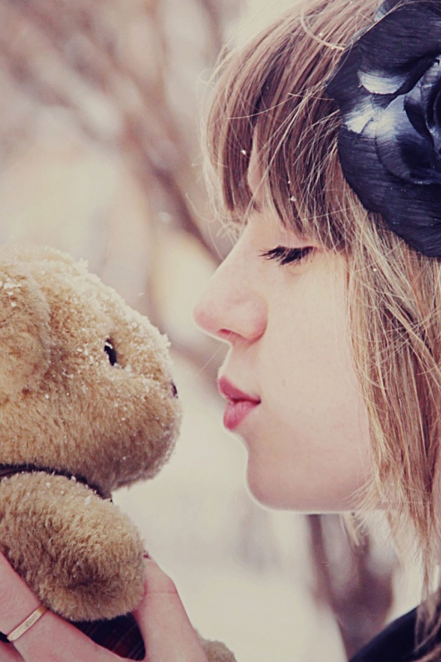 Girl kissing teddy bear mobile wallpaper mobiles wall download now voltagebd Gallery
