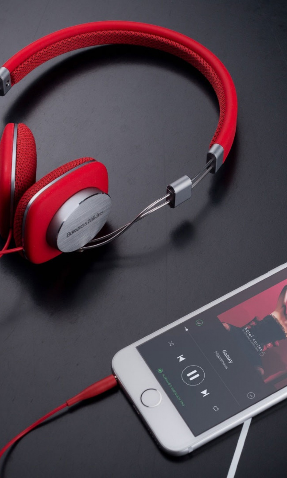 Popular Wallpaper Music Smartphone - 960-Red-Bowers-and-Wilkins-P3-Headphones-l  Pic_14390.jpg